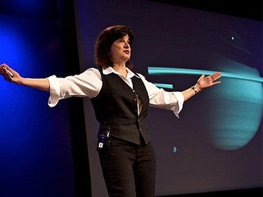 卡羅琳·波科帶我們傲游土星